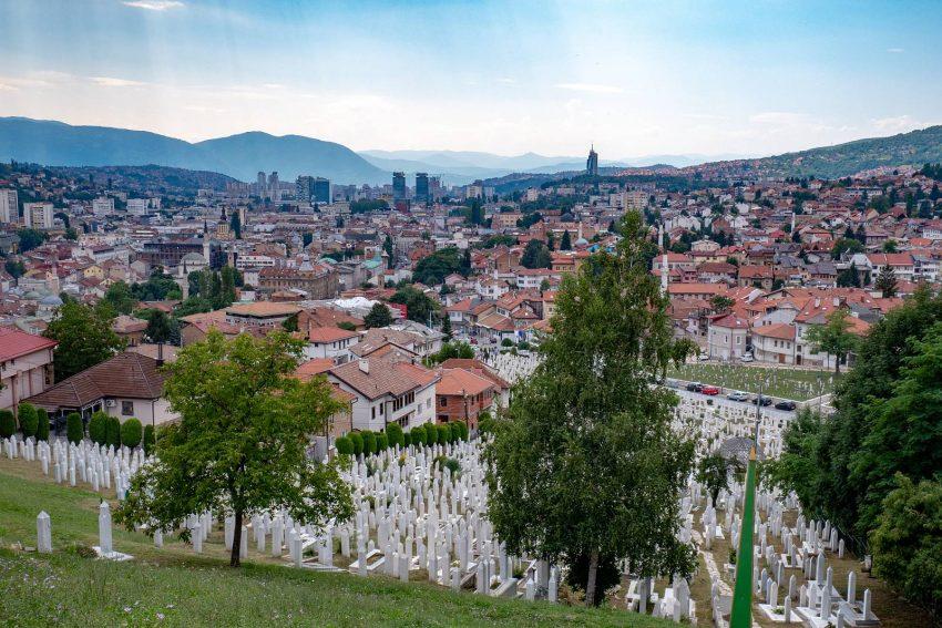 Widok znad cmentarza pod Żółtą Twierdzą